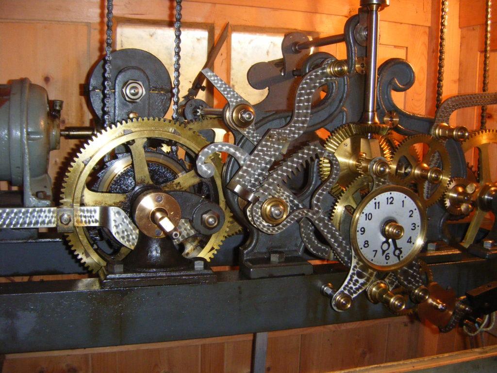 Église St Clair Villechantria - mouvement de l'horloge